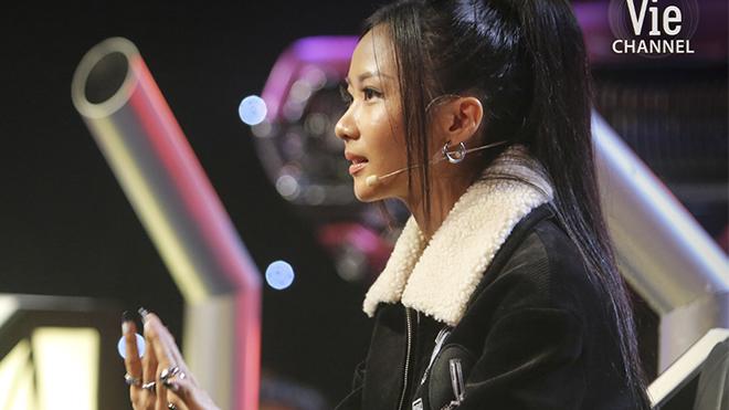 'Rap Việt': Suboi quăng nón vàng, giải cứu thí sinh đội Wowy