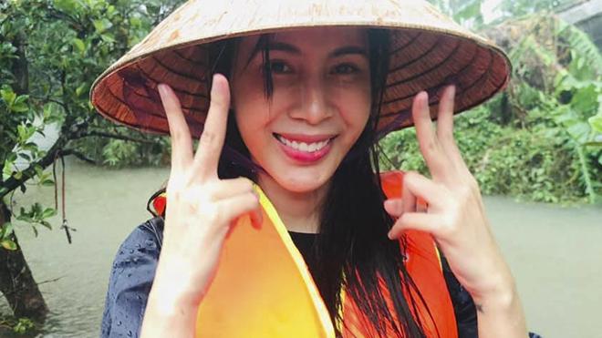 Sao Việt cứu trợ miền Trung: Thuỷ Tiên kêu gọi 60 tỷ đồng, Trấn Thành, Đại Nghĩa cùng góp sức