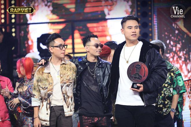 Rap Việt, xem Rap Việt, quán quân Rap Việt, quán quân Rap Việt 2020, Trấn Thành, HTV2, ai là quán quân Rap Việt, Dế Choắt, G.Ducky, quán quân Rap việt là ai, rap viet, dế choắt quán quân, karik