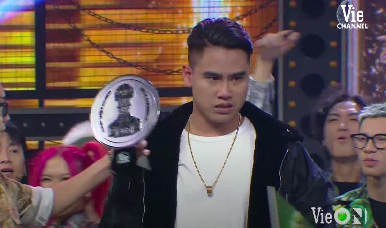 Rap Việt, xem Rap Việt, quán quân Rap Việt, quán quân Rap Việt 2020, Trấn Thành, HTV2, ai là quán quân Rap Việt, Dế Choắt, G.Ducky, quán quân Rap việt là ai, rap viet, dế choắt quán quân rap việt