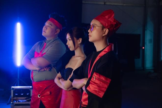 Min, JustaTee, Yuno BigBoi, xem MV Mlem Mlem, Rap Việt, MV Mlem Mlem, Min là ai, min phẫu thuật thẩm mỹ, min ca khúc, min trên tình bạn dưới tình yêu, rap viet, min vì yêu cứ đâm đầu