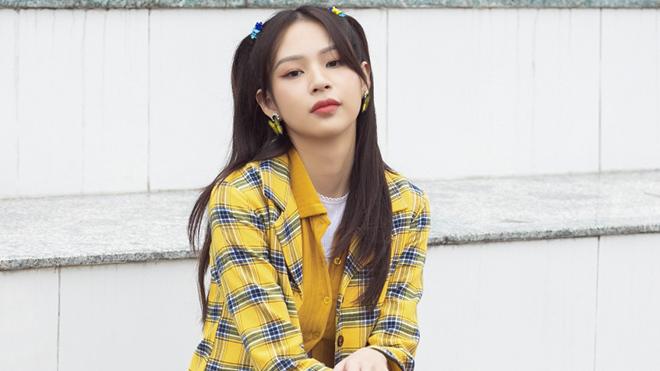 Sau MV debut gây tranh cãi, Phí Phương Anh tung sản phẩm mới