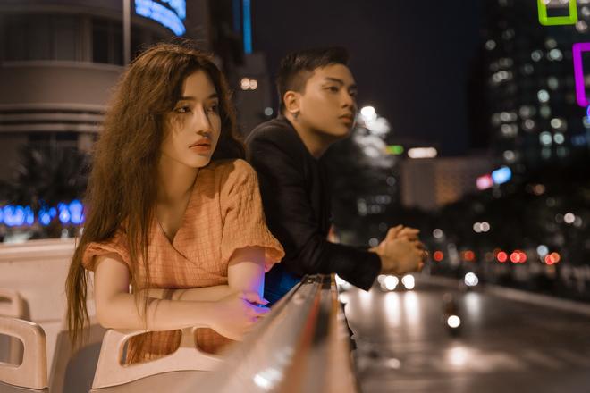 MV Sài Gòn đau lòng quá, xem MV Sài Gòn đau lòng quá, Hứa Kim Tuyền, nhạc sĩ Hứa Kim Tuyền, Hoàng Duyên, Hoàng Duyên là ai, Hứa Kim Tuyền là ai, mv sai gon dau long qua