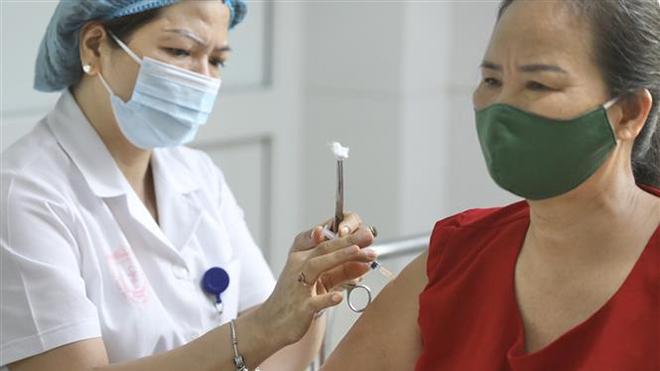 Đẩy nhanh tiến độ triển khai thử nghiệm lâm sàng vaccine Nano Covax