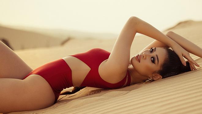 Hoa hậu Khánh Vân nóng bỏng trong bộ ảnh bikini trước thềm Miss Universe 2021