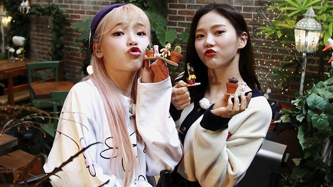 Kaity Nguyễn, S.T Sơn Thạch giao lưu nhóm nhạc Hàn Oh My Girl, Momoland