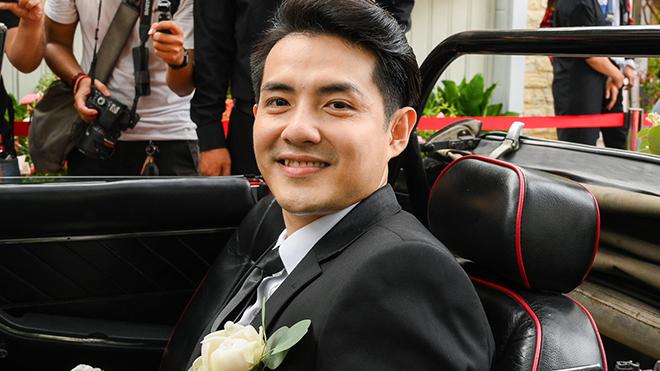 Ông Cao Thắng lái xe sang đón Đông Nhi trong lễ cưới