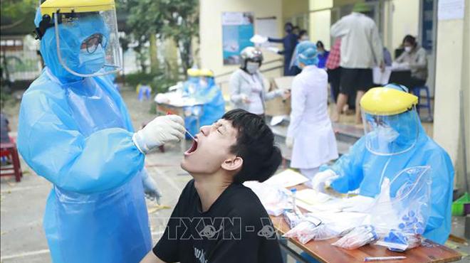 Thành phố Hồ Chí Minh: Khẩn trương điều tra dịch tễ và lấy mẫu xét nghiệm Covid-19 cho hơn 3.500 công nhân