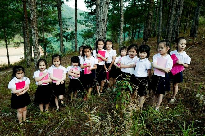 Con gái Đoan Trang. Bé Sol con gái Đoan Trang. Em là bông hồng nhỏ, , nhạc sĩ Trịnh Công Sơn, con gái Đoan Trang bé Sol, Doan Trang, con gai Doan Trang, xem MV Em là bông hồng nhỏ