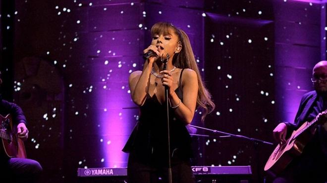 Sao thế giới bàng hoàng trước vụ nổ trong buổi diễn của Adriana Grande ở Manchester