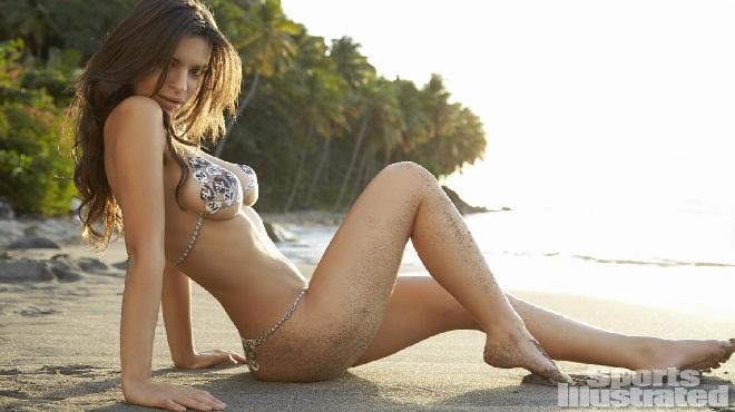 Emily Ratajkowski than vãn vì... vòng 1 bốc lửa