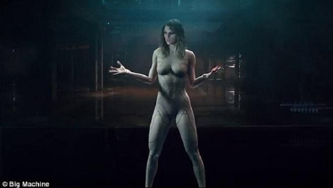 VIDEO: Taylor Swift 'đốt mắt' người xem trong MV mới