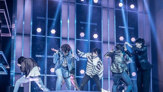 VIDEO: Xem lại màn trình diễn khiến ARMY phát cuồng của BTS với hit 'Fake Love' tại BBMAs