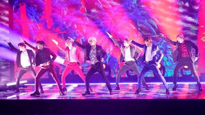 Fan nức nở khen màn biểu diễn của BTS trong đêm bán kết 'Got talent' Mỹ