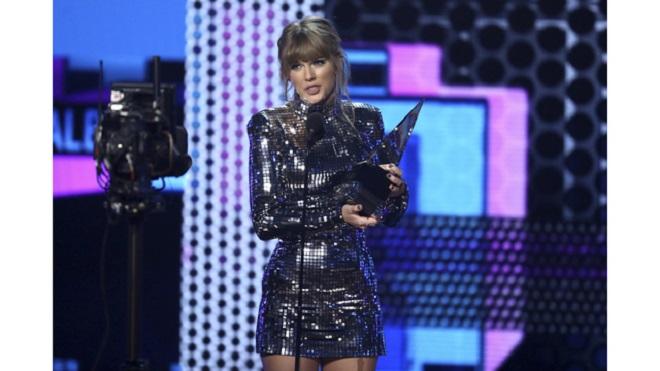 Taylor Swift đi vào lịch sử tại lễ trao giải Âm nhạc Mỹ (AMA) 2018