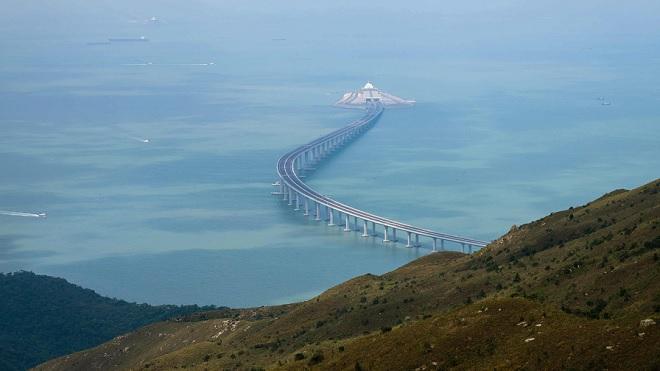 Trung Quốc khánh thành cây cầu biển dài nhất thế giới