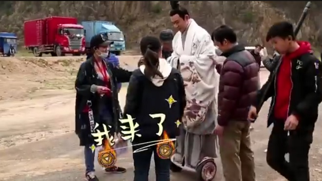 Cười ngả nghiêng vì độ nhí nhố của dàn sao 'Hạo Lan truyện' trong hậu trường