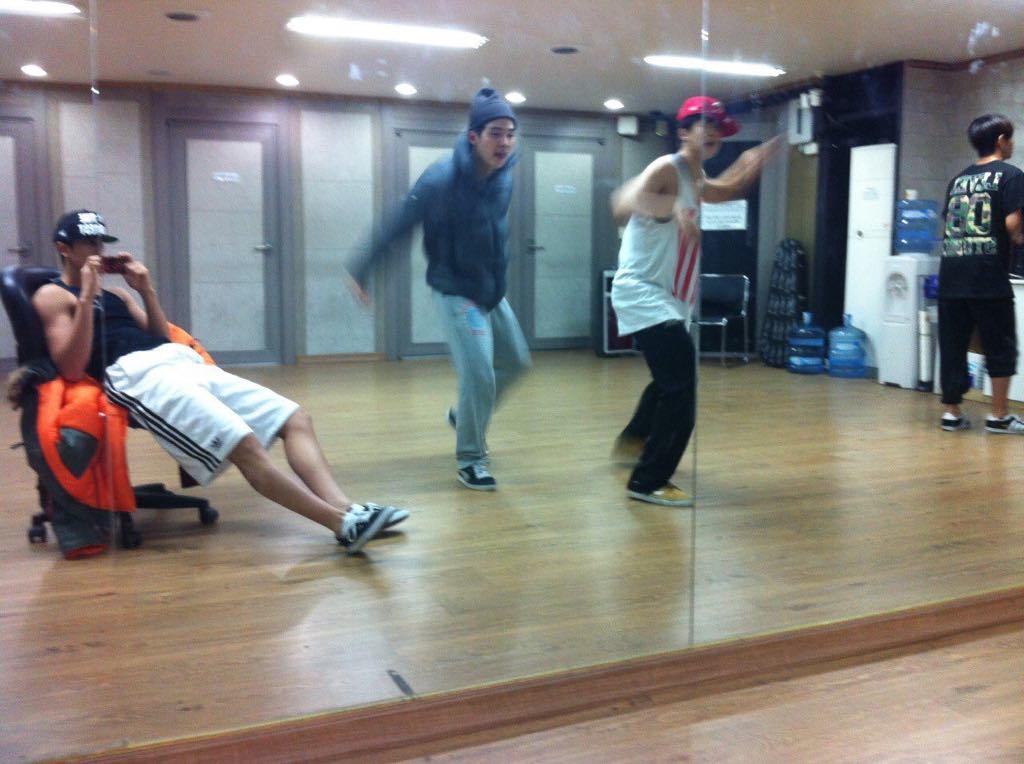 BTS. BTS Festa 2019. Ảnh BTS. Ảnh BTS mới nhất. Ảnh BTS hồi bé. Sinh nhật BTS, V BTS, RM BTS, Suga, RM, Jin, Bangtan Attic, Jungkook, Jimin, Suga, J-Hope, Jin