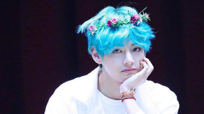 Màu tóc bạc hà chuẩn 'anime' của V BTS lại tạo trend trên mạng