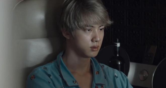 BTS, Jin BTS nghĩ gì khi phải sống 2 cuộc đời, Jin BTS để mất nhiều bạn bè, Jin BTS trải lòng khi sống cuộc sống của thần tượng, Jin BTS, Kim Seokjin