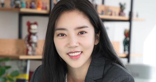Blackpink, Lisa Blackpink, Song Hye Kyo và loạt sao Hàn từng bị quản lý phản bội, Son Dam Bi, Kim Seon Kyeong, Lee Jong Hyuk, Jung Joon Ho