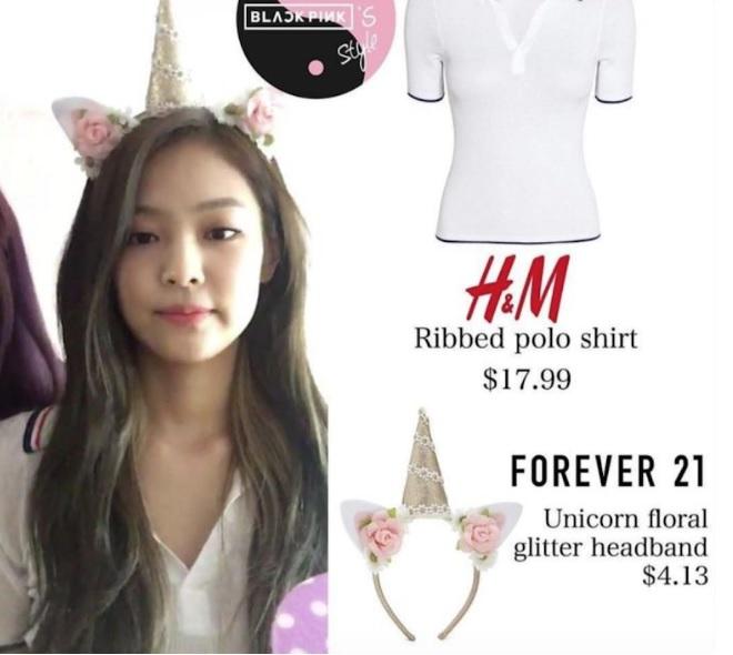 """  Thần thái ngôi sao """"chấp"""" cả áo 42.000 won (khoảng 35 USD)  """