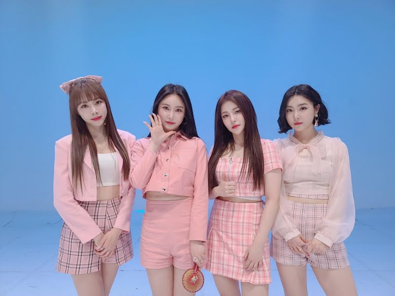 Blackpink, Red Velvet, Melon, Brave Girls, Rollin, Rollin Brave Girls, Rollin Melon, kỉ lục Rollin, Brave Girls Rollin, BTS, IU, Zico, DDU DU DDU DU, Red Flavor