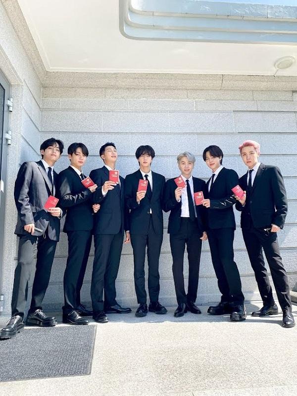 BTS, RM BTS, BTS RM, RM, trưởng nhóm BTS, thủ lĩnh BTS, BTS phát biểu liên hợp quốc, BTS bảo tàng Met, BTS đại sứ Hàn Quốc, Jin, Jimin, Jungkook, Suga, Jhope, V BTS