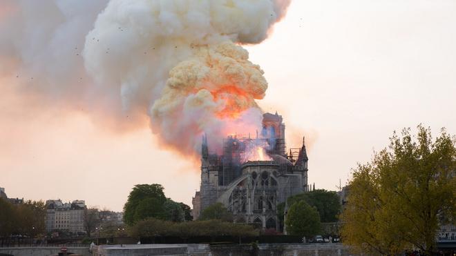 CẬP NHẬT cháy Nhà thờ Đức Bà Paris: Kết luận ban đầu về nguyên nhân đám cháy