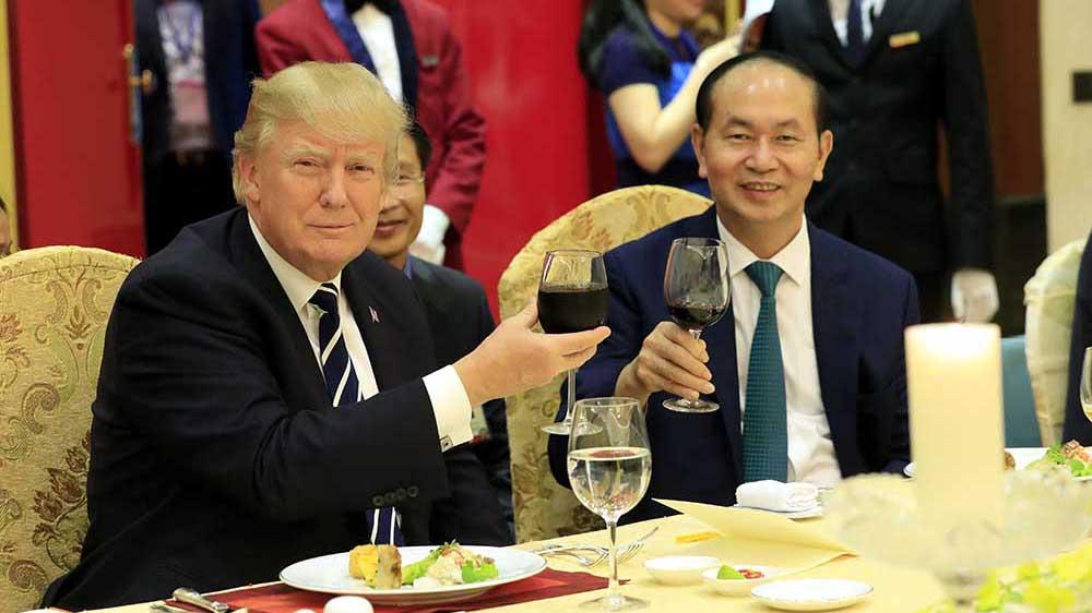 Toàn cảnh Chủ tịch nước Trần Đại Quang chủ trì Quốc yến chào mừng Tổng thống Donald Trump