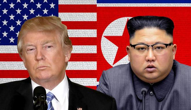 Trực tiếp Hội nghị thượng đỉnh Mỹ - Triều Tiên: Ông Donald Trump và ôngKim Jong-un thực hiện cái bắt tay lịch sử