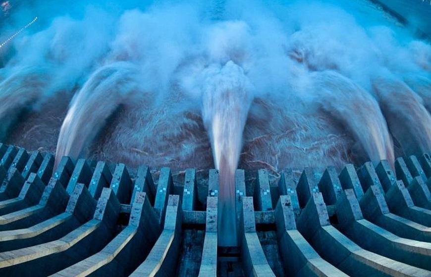 Cảnh báo đợt mưa lớn, sông Hồng xuất hiện lũ, lệnh xả đáy hồ Hoà Bình và Sơn La