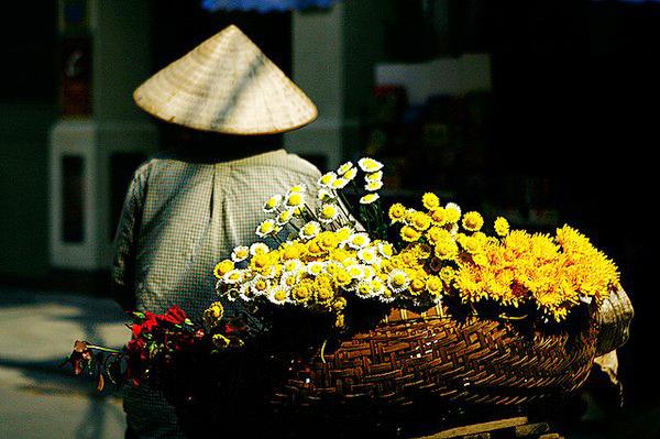Thời tiết Hà Nội mát mẻ, trời nắng nhẹ, gió Đông Bắc cấp 2-3