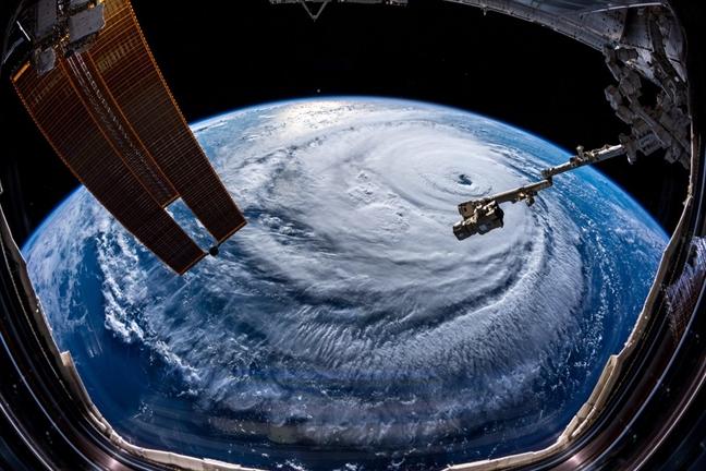 Hình ảnh Siêu bão Mangkhut khả năng cao ảnh hưởng trực tiếp đến 27 tỉnh thành số 2