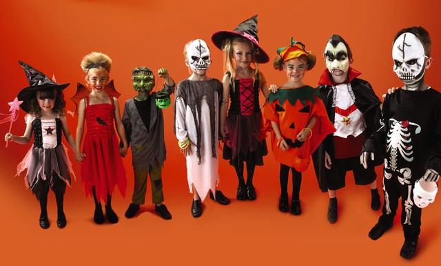 Trang phục Halloween và các cách mix đồ rùng rợn cực đơn giản