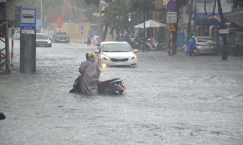 Dự báo thời tiết, Mưa lũ miền Trung, Không khí lạnh, Lũ lụt miền Trung, Lũ lụt, tin thời tiết, thời tiết hôm nay, mưa lũ đà nẵng, rét đậm rét hại, thời tiết, mưa lũ