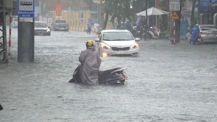 Cập nhật tình hình mưa lũ, thời tiết miền Trung: Lũ từ Quảng Bình đến Phú Yên lên trở lại