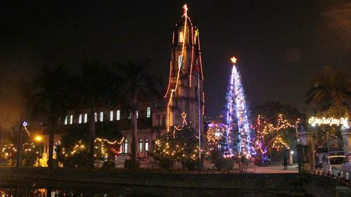 5 nhà thờ lớn đón đêm Giáng sinh lý tưởng nhất của người Hà Nội
