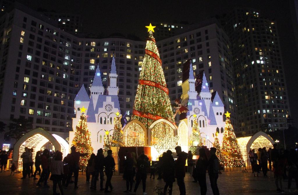 Giáng sinh, Noel, Noel Hà Nội, Giáng sinh Hà Nội, Giáng sinh Sài Gòn, Noel ở đâu, chơi noel ở đâu, đón giáng sinh ở đâu, đón noel ở đâu, mừng mùa lễ hội, mùa lễ hội