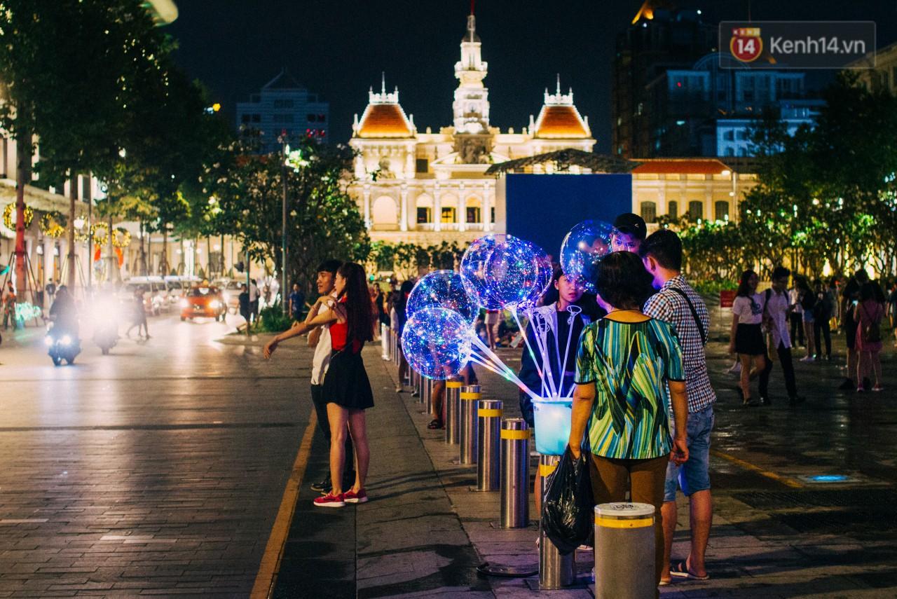 Giáng sinh, Noel, Noel Hà Nội, Giáng sinh Hà Nội, Giáng sinh Sài Gòn, Noel ở đâu, giáng sinh đi đâu, đón giáng sinh ở đâu, đón noel ở đâu, mừng mùa lễ hội, mùa lễ hội