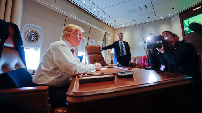 TRỰC TIẾP: 21 giờ, Air Force One chở Tổng thống Donald Trump hạ cánh Nội Bài