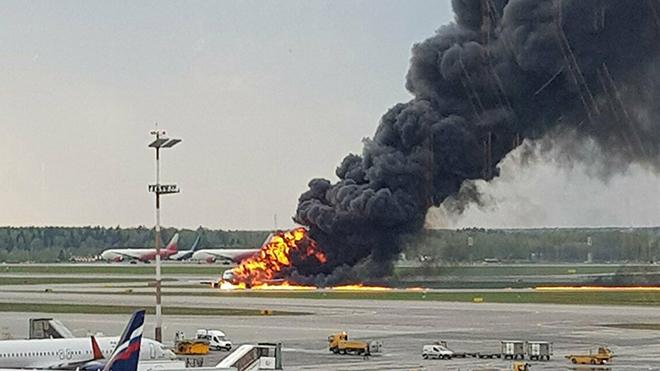 Cháy máy bay nga, Tai nạn máy bay nga, Tai nạn máy bay, Máy bay nga bốc cháy, máy bay nga cháy, rơi máy bay, máy bay rơi