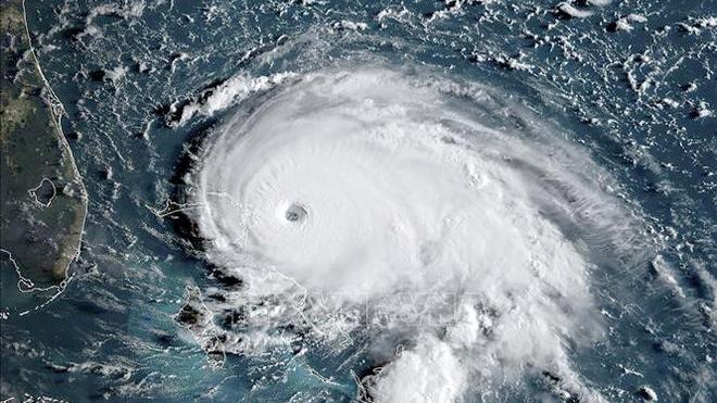 Bão số 5 chồng áp thấp nhiệt đới trên biển Đông