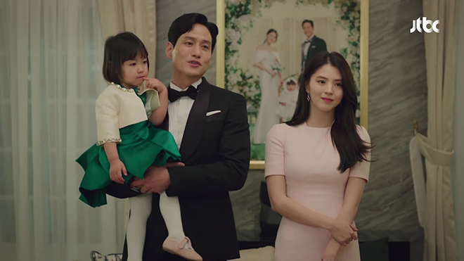 Thế giới hôn nhân: Tae Oh kết hôn với 'tiểu tam', mua chuộc con trai để trả thù vợ cũ