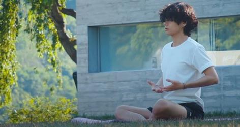 ARMY nổi giận vì 'In the SOOP' khắc họa V BTS 'phiên bản lỗi'