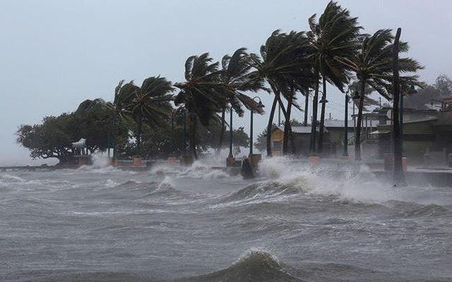 Áp thấp nhiệt đới vào biển Đông và khả năng mạnh thêm thành bão số 8