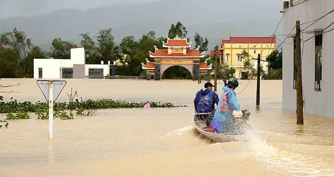 Mưa lớn ở miền Trung, từ Nghệ An đến Quảng Nam nguy cơ lũ quét sạt lở đất rất cao
