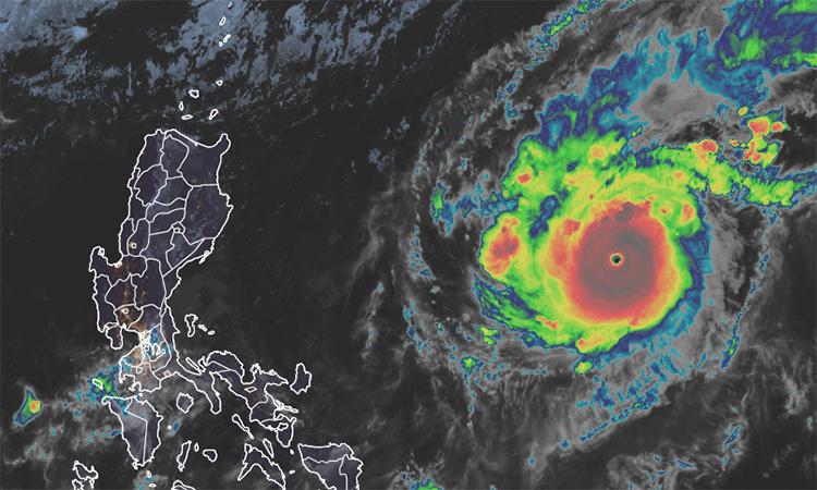 Ngày 2/11, bão Goni đi vào Biển Đông, sức gió vùng gần tâm bão mạnh cấp 10