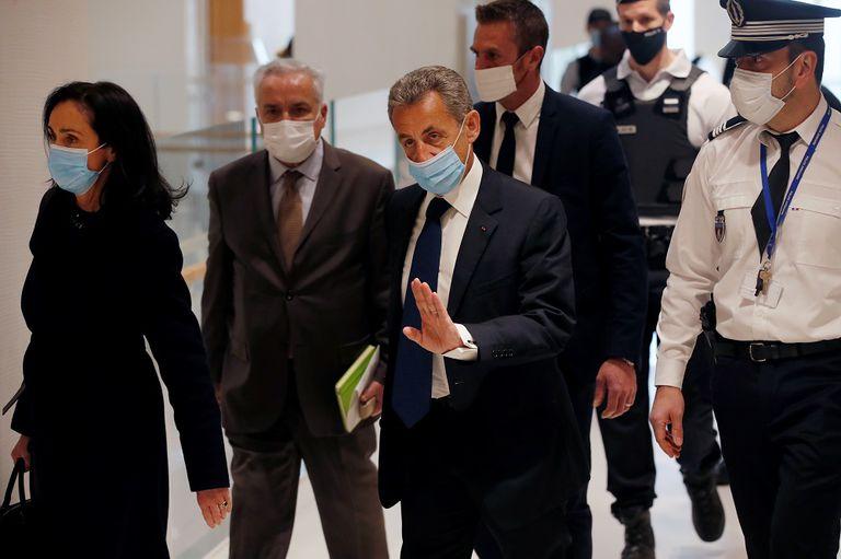 Cựu Tổng thống Pháp Nicolas Sarkozy bị kết án 3 năm tù vì tội danh tham nhũng