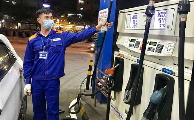 Giá xăng dầu 10/9: Cập nhật mức điều chỉnh mới nhất